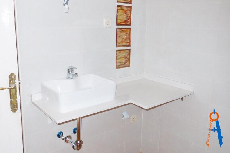 Reforma-realizada en-Carabanchel,-Madrid.-Técnica-y-Maestría-baño-destacada